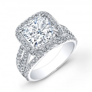Cushion-cut- diamond-ring