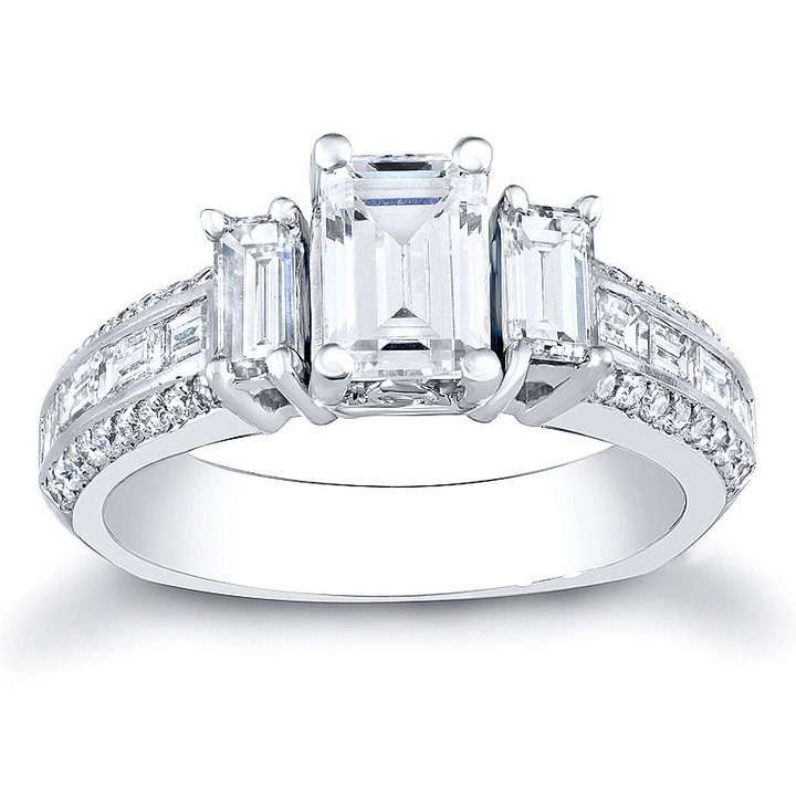 Emerald-Cut-diamond-rings