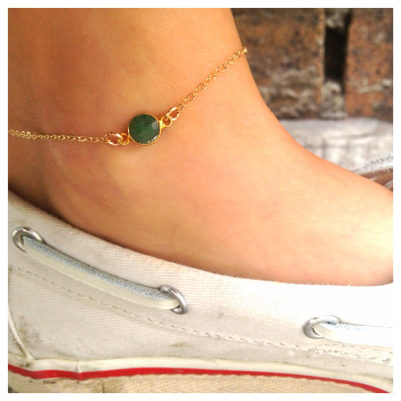 Emerald-anklets-for-woman