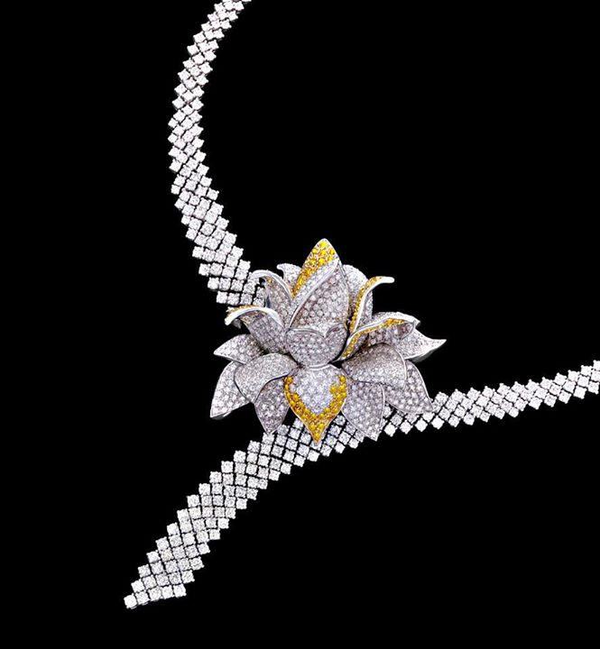 brilliant choker curved square diamond necklace wedding bridal cut very and large with set designs highlighting elegant in jewellery gold carat look diamonds grand exclusive pear