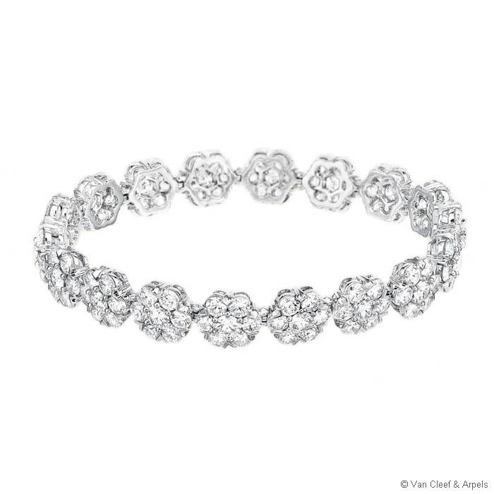 Fleurette-motifs- diamond-bracelets-for-woman