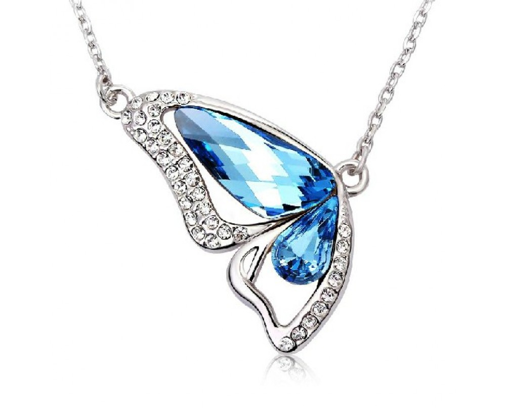 Flying-Butterfly-necklace-for-woman