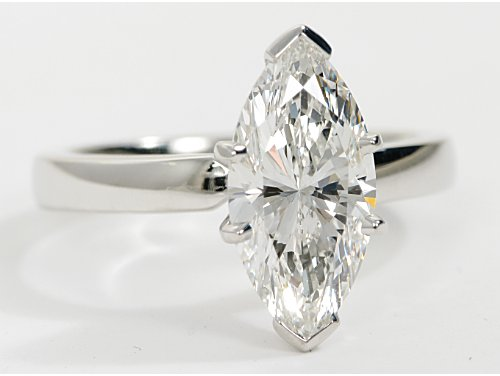 Marquise-Cut-diamond-ring