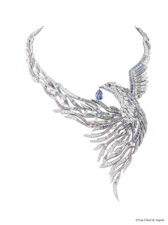Oiseau-decor-necklace-for-woman