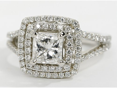 Princess-cut- diamond-ring