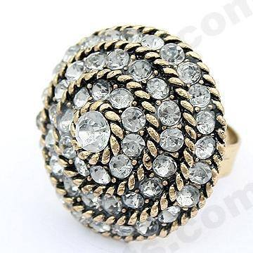 Round-diamonds-ring