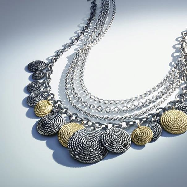 antique-style-necklace-for-woman