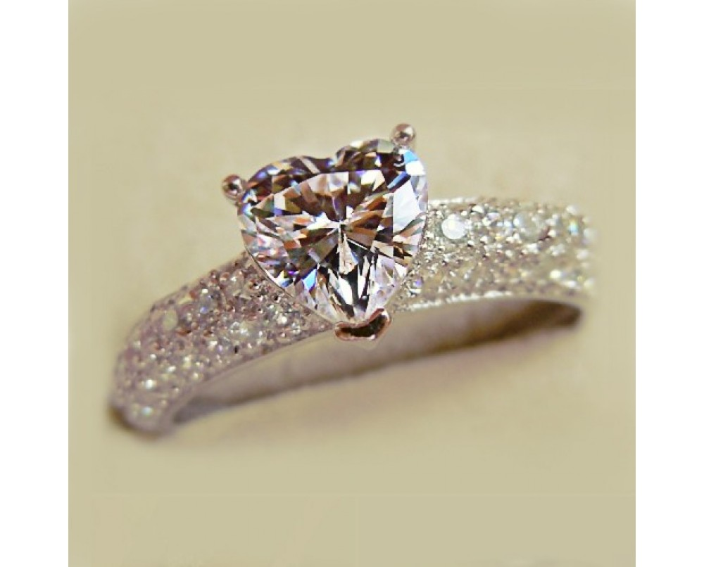 beautyful-Heart-shape-diamond-ring
