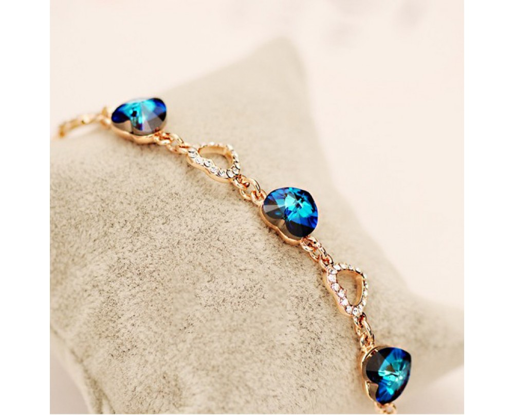 blue-crystal-heart -bracelets-for-woman