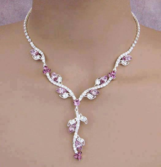 delicate-necklace-for-woman