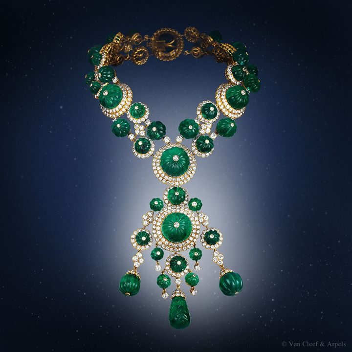 emeralds-necklace-for-woman