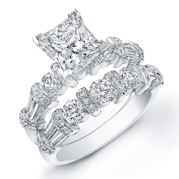innovative-Princess-cut- diamond-ring