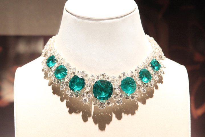 turquoise-necklace-for-woman