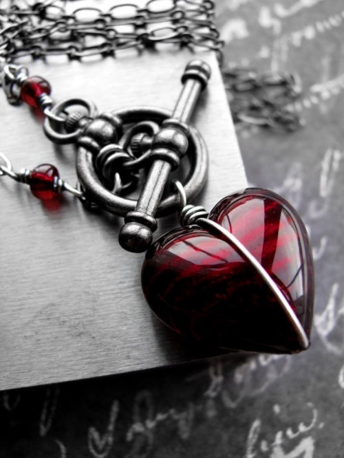 Blood-heart-necklace