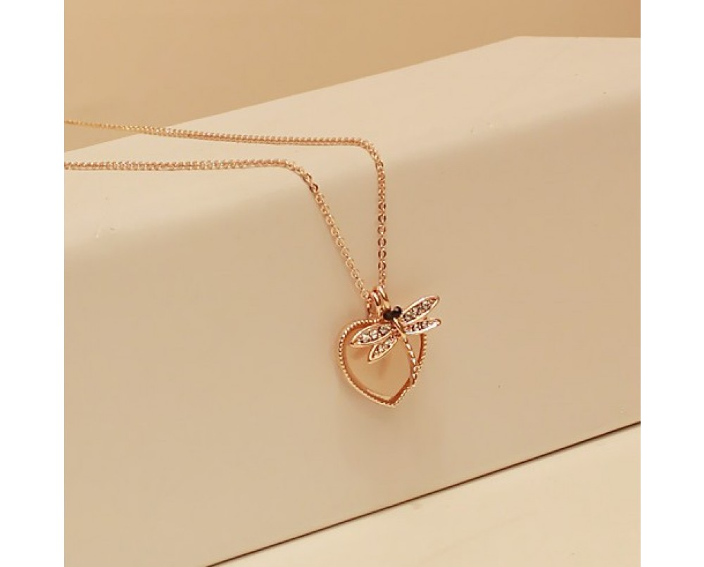 Dragonfly-lovely-heart-necklace