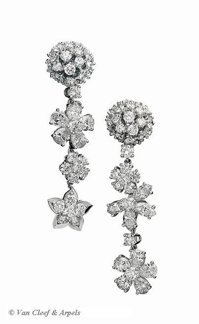 Folie des Prés earrings set in white gold and diamonds from Van Cleef & Arpe