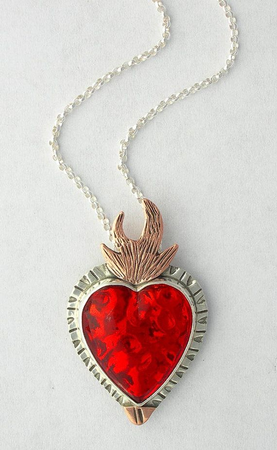 Horn-and-heart-necklace
