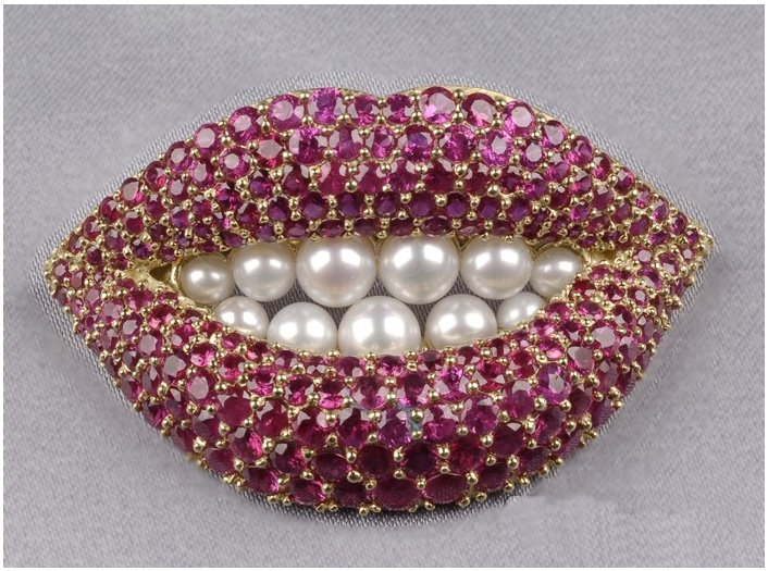 Lip-diamond-brooches