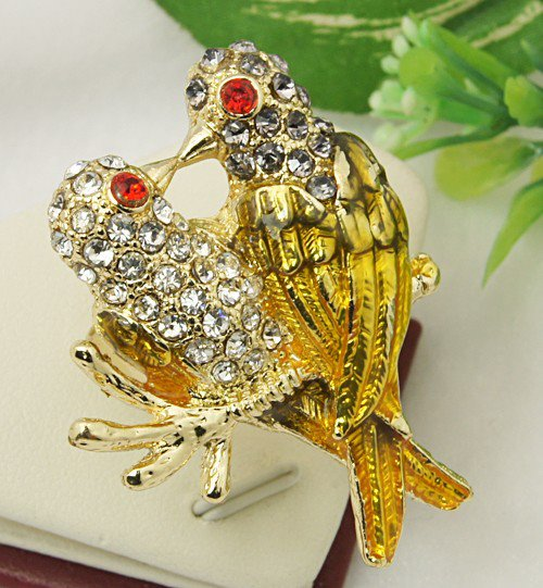 Love-birds-brooch