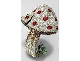 Toadstool-diamond-brooch