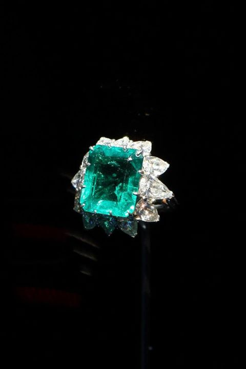 best-emerald-rings