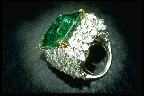 chalk-emerald-rings
