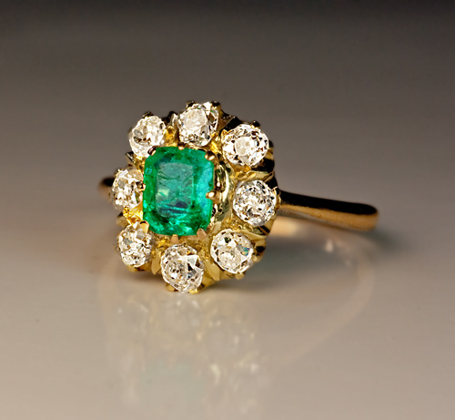 cushion-cut-emerald-rings