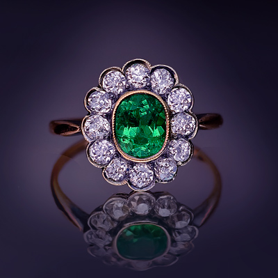 diamond-cluster-emerald_rings