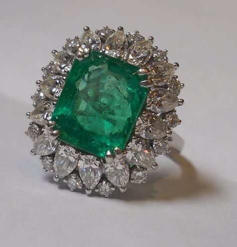 diamond-emerald-rings