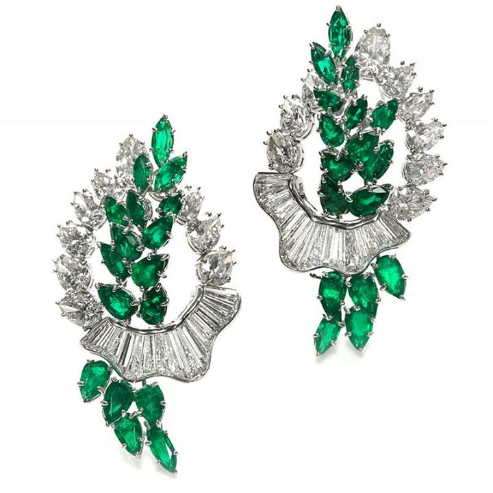 emerald-and diamond-cluster-brooches