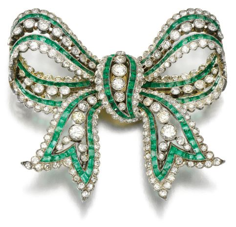 emeralds-and-diamond-brooches