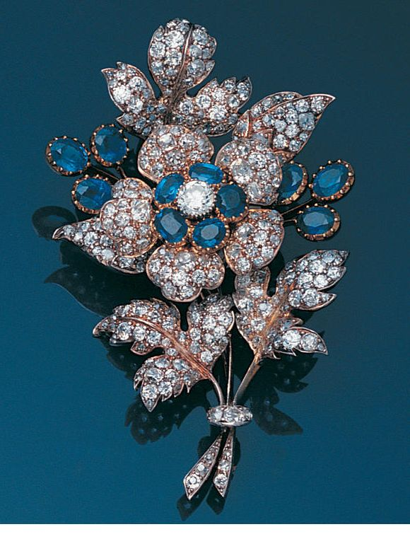 floral-spray-diamond-brooches