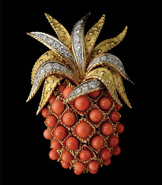 pinapple-diamond-brooches