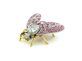 pink-bee-diamond-brooches