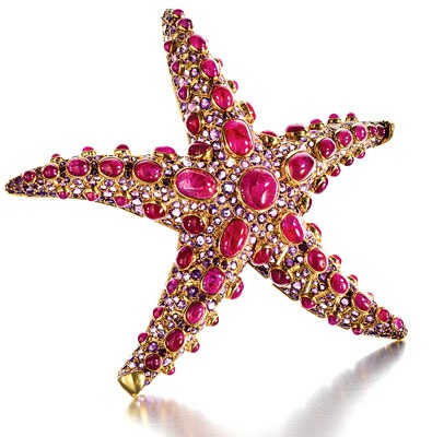star-diamond-brooches